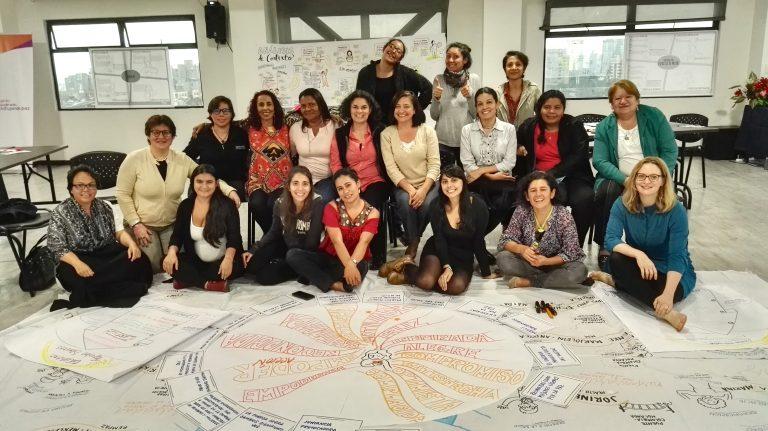 Mujeres como agentes centrales de la construcción de paz